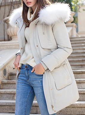 大V领羊毛呢大衣